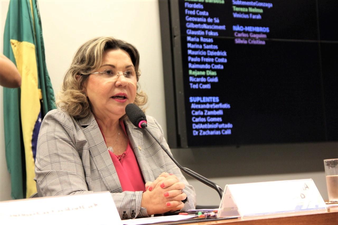 Tereza Nelma: Reforma da Previdência rebaixa pessoas com deficiência à miséria