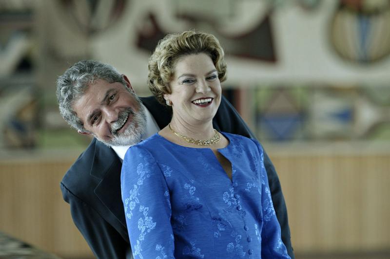 """Jornal Nacional ignora entrevista de Lula, que pede à Globo para mostrar os dólares """"apreendidos"""" com dona Mariza"""