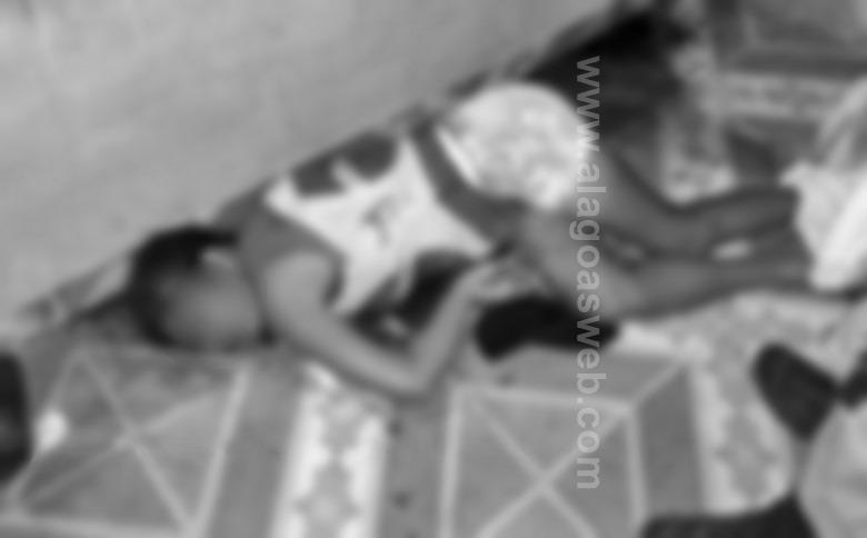 Homem é preso em flagrante após matar a esposa e beber o sangue da vitima