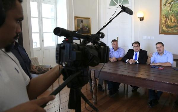 OXIGENAÇÃO Governador divulga datas de testes para aprovados da PM e confirma novos concursos