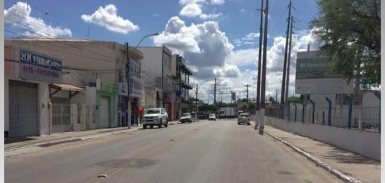 Delmiro Gouveia: Bandido assalta loja e obriga vendedora a ficar nua