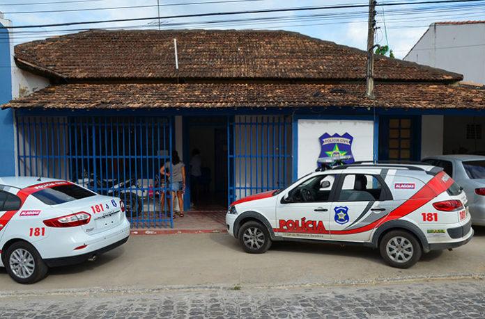 Polícia Civil prende acusado de homicídio em Marechal Deodoro