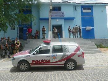 Suspeito de amarrar e despir mulher durante assalto é preso em Delmiro Gouveia