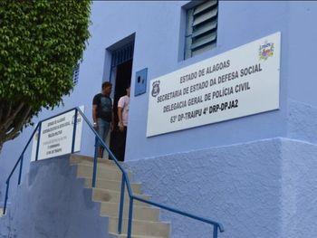 Homem é preso acusado de estuprar adolescente com deficiência mental em Traipu