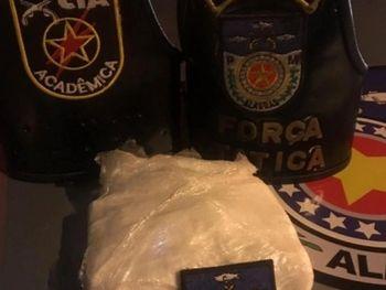 PM prende jovem  com mais de meio quilo de cocaína em Maceió