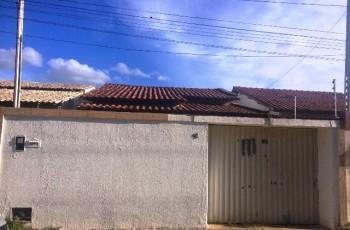 Corpo de mulher é encontrado dentro de residência no bairro Boa Vista, em Arapiraca