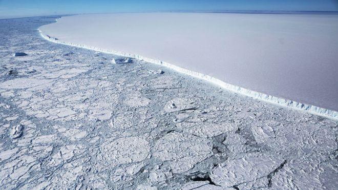 Para onde vai o A68, o maior iceberg do mundo, que se desprendeu da Antártica?