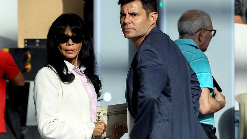 Tribunal reconhece paternidade de filho de portuguesa com Julio Iglesias