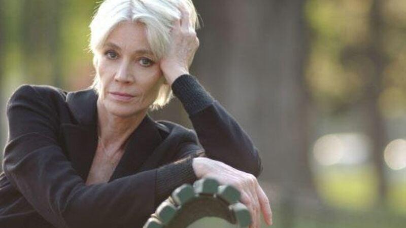 Com câncer cantora Françoise Hardy anuncia o fim da carreira