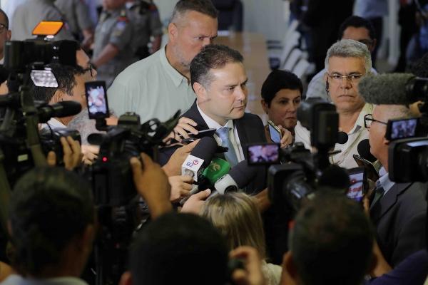 REFORÇO Governador anuncia concursos para as Polícias Civil, Militar e agente penitenciário