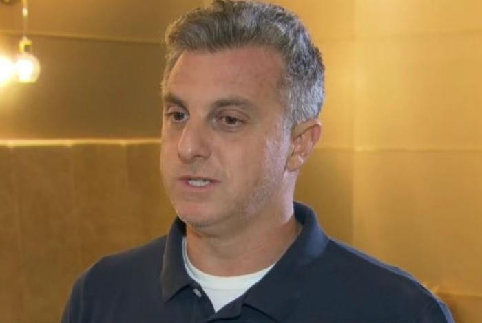 FÁBIA OLIVEIRA Luciano Huck fala sobre o jatinho de R$ 18 milhões financiado pelo BNDES