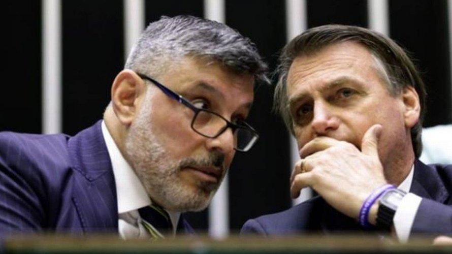 Bolsonaro não é burro, mas um idiota ingrato que nada sabe, diz Alexandre Frota
