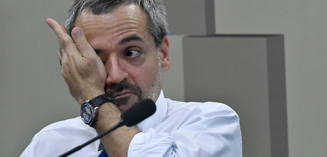 Vencedores do bolão da Mega-Sena irão processar Weintraub para que prove acusações contra petistas