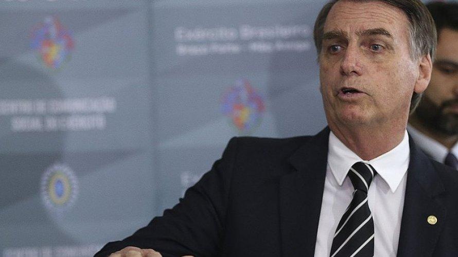 Governo decreta sigilo em valor de carro blindado usado por Bolsonaro em Nova York