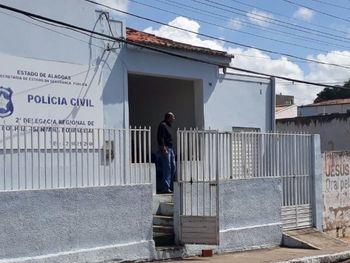 Foragido da Justiça alagoana é preso ao ser localizado no interior de Pernambuco