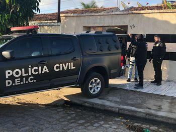 Hospedados em pousada, pernambucanos são presos com material explosivo em Arapiraca