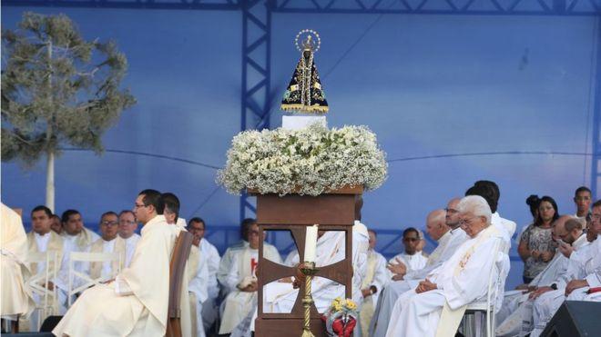 Por que Nossa Senhora Aparecida é a santa padroeira do Brasil e 12 de outubro se tornou feriado nacional?