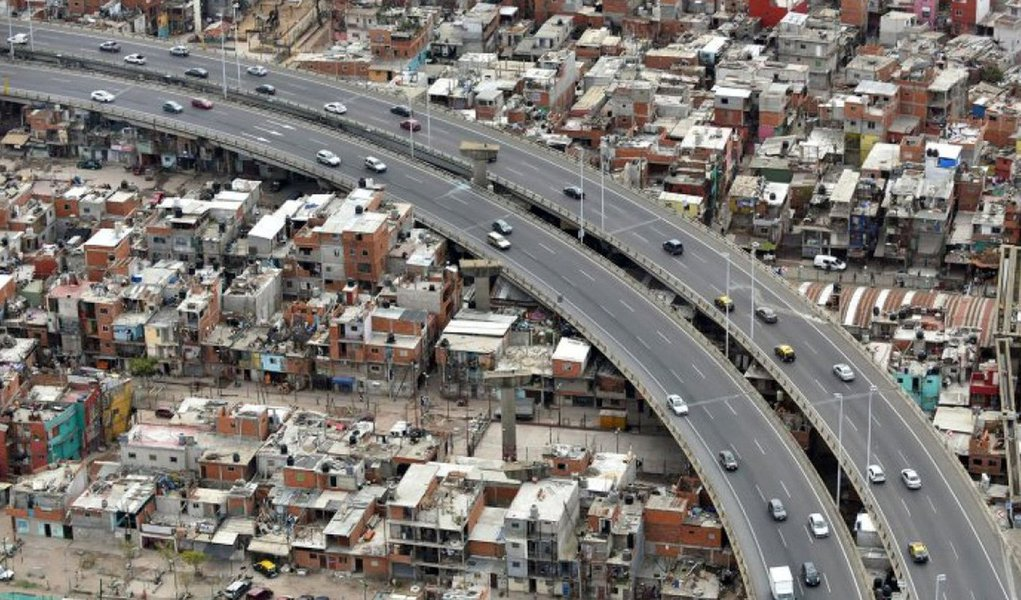 Pobreza se alastra na Argentina