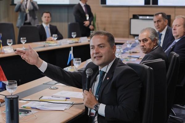 POLÍTICAS PÚBLICAS Governador defende autonomia para Estados usarem recursos do Susp