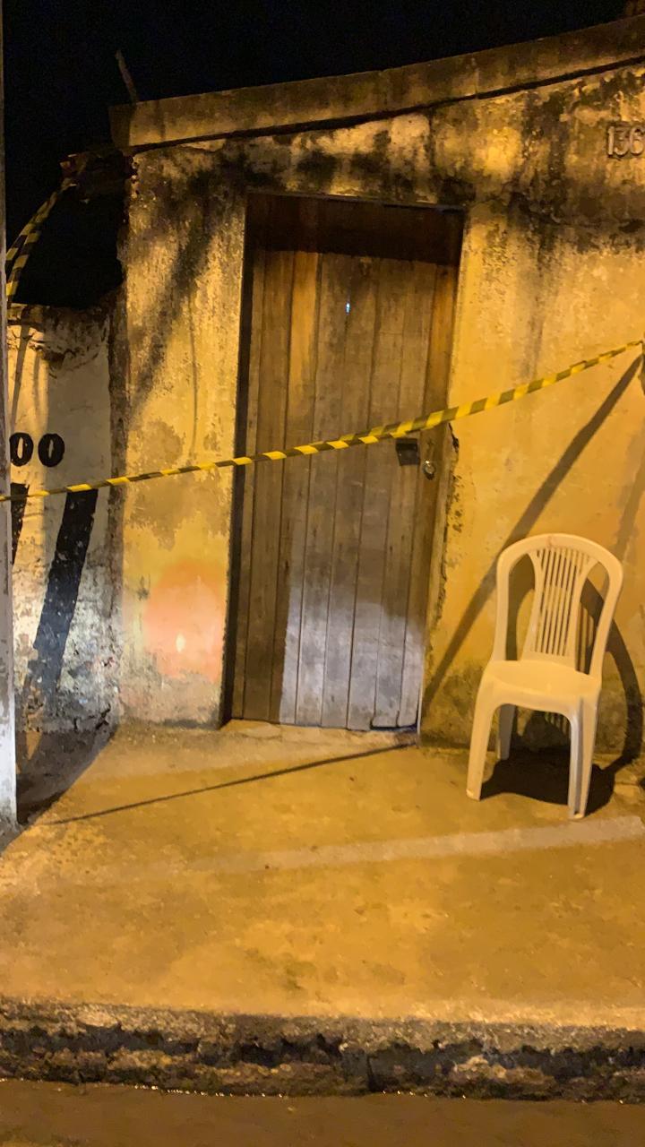 Feminicídio: Homem se entrega à polícia após assassinar a esposa em Arapiraca