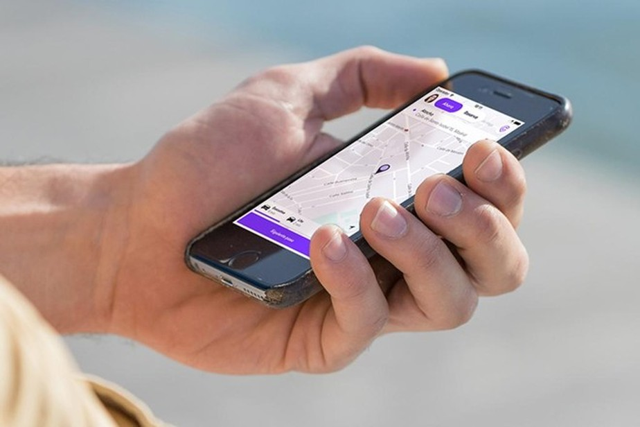 Governo estuda cobrar impostos de motoristas e entregadores de aplicativos