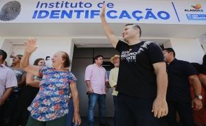 AGRESTE São Sebastião ganha Instituto de Identificação, acesso a povoado e mais duas escolas