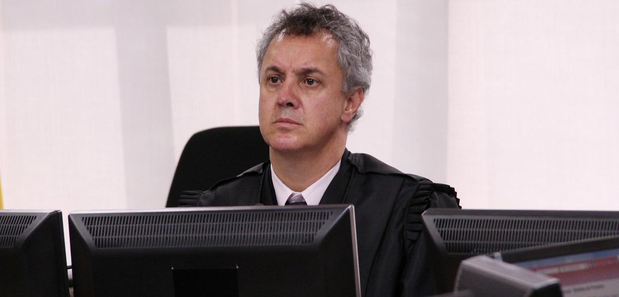 Desembargador que condenou Lula absolve empresário que sonegou quase R$ 19 milhões
