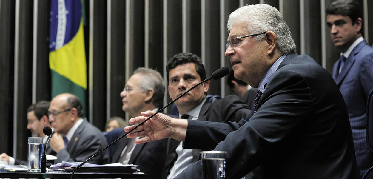 Requião: Moro comete crime de calúnia contra Lula ao chamá-lo de criminoso e pode ser processado