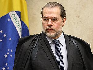 DIREITO DA DEFESA  Voto de Toffoli faz Supremo suspender a execução antecipada da pena