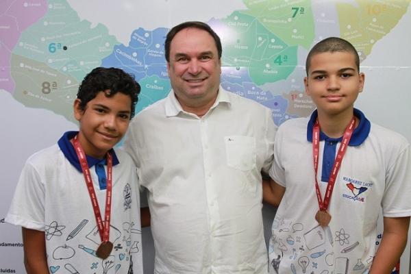 MENINOS DE OURO Precocidade e integração entre escola e família marcam trajetória de medalhistas da Olimpíada de Matemática