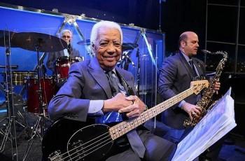 Aos 85, morre Bira, baixista do sexteto de Jô Soares