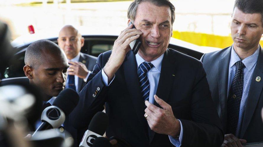 Bolsonaro fica irritado com vídeo em que Witzel liga para Mourão e o chama de 'presidente'