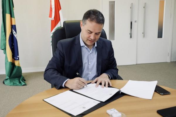 MODERNIZAÇÃO Governador sanciona lei que regionaliza abatedouros em AL