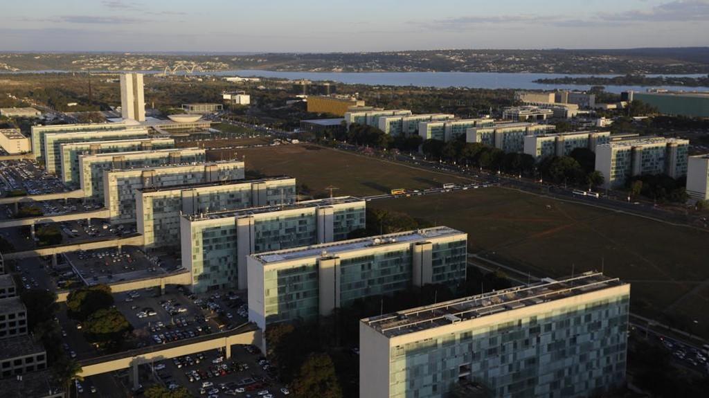 Servidor: reforma administrativa deixa salário fora das mudanças