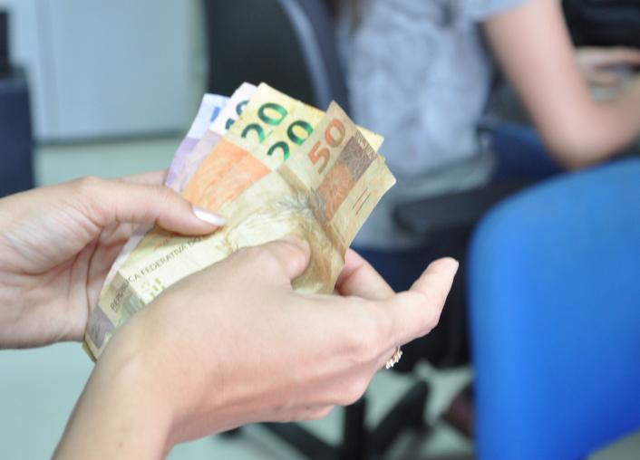 MAIS DE R$ 8 MILHÕES SÃO INVESTIDOS NA ECONOMIA LOCAL COM PAGAMENTOS DA SEGUNDA FAIXA