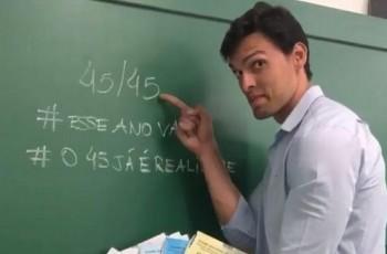 Apelidado de '44 de 45', professor gabarita prova de matemática do Enem na 6ª tentativa