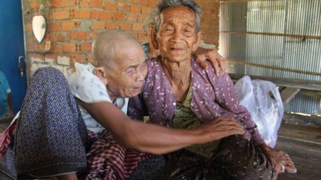 Irmãs de 98 e 101 anos se reencontram após quase meio século separadas