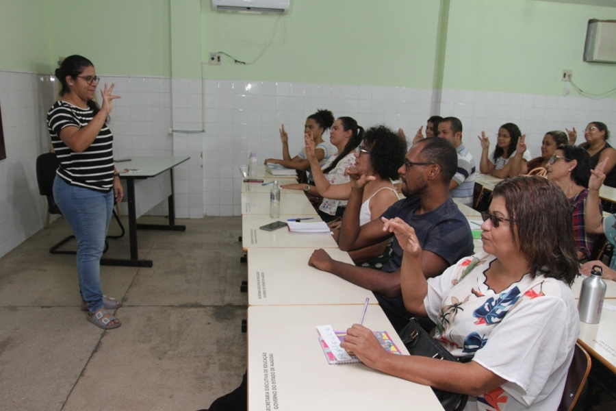 SELEÇÃO Seduc promove processo seletivo para Educação Especial com ofertas de 283 vagas