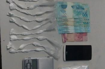 Jovens são apreendidos suspeitos de tráfico de drogas, em Arapiraca