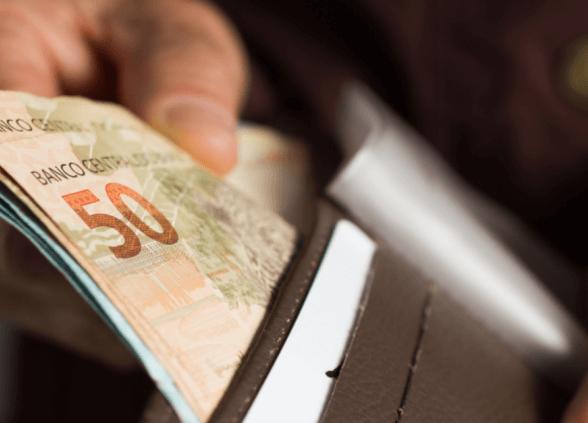 SALÁRIOS DE MARÇO DE SERVIDORES PÚBLICOS MUNICIPAIS COMEÇAM A SER PAGOS NESTA TERÇA-FEIRA (31)
