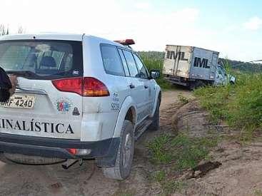 Corpo de mulher é encontrado em cova rasa no Benedito Bentes