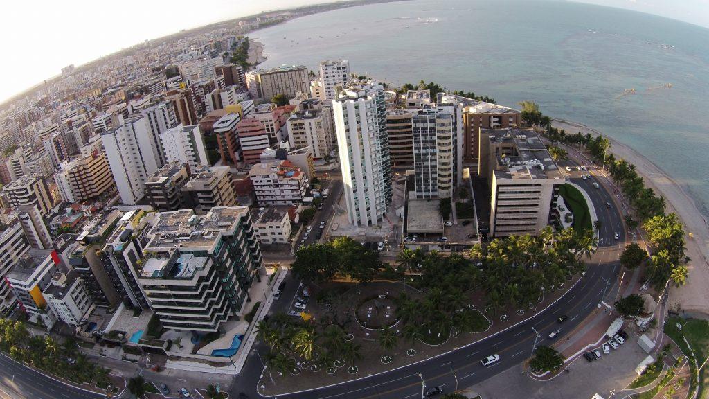 Covid-19 já alcança 41 bairros de Maceió e isolamento é necessário