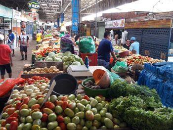 Clientes e feirantes terão que usa máscara nos mercados públicos de Maceió