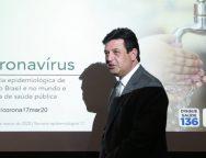 O ministro da Saúde, Luiz Henrique Mandetta, confirma a primeira morte por Covid-19 em São Paulo, durante entrevista à imprensa