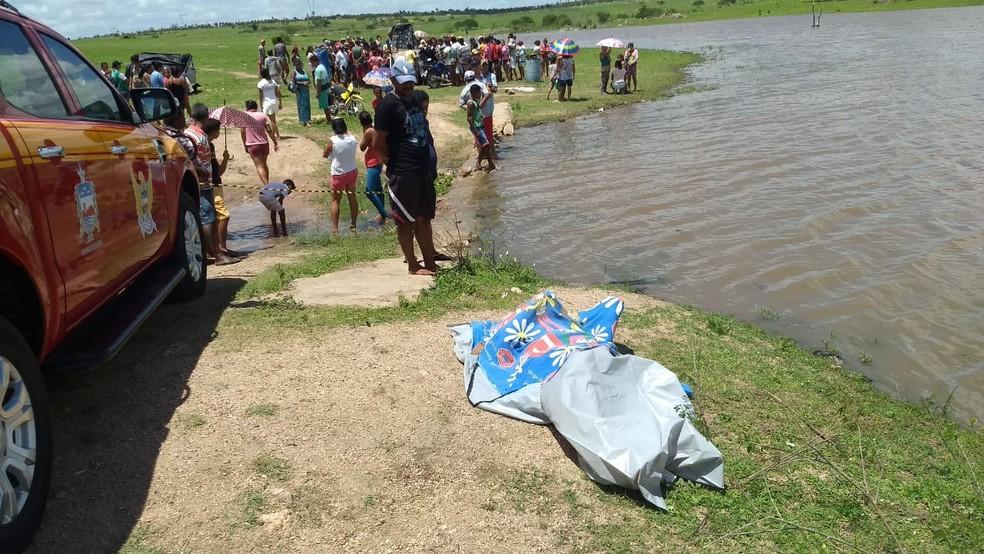 Dois homens morrem afogados em barragem em São José da Tapera, AL