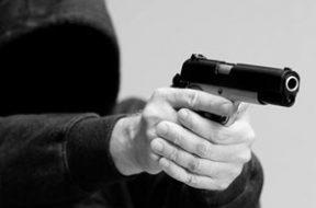 assaltante-arma1