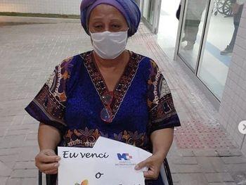 INTERNADA COVID-19: Mãe Neide recebe alta e pede que as pessoas defendam o SUS
