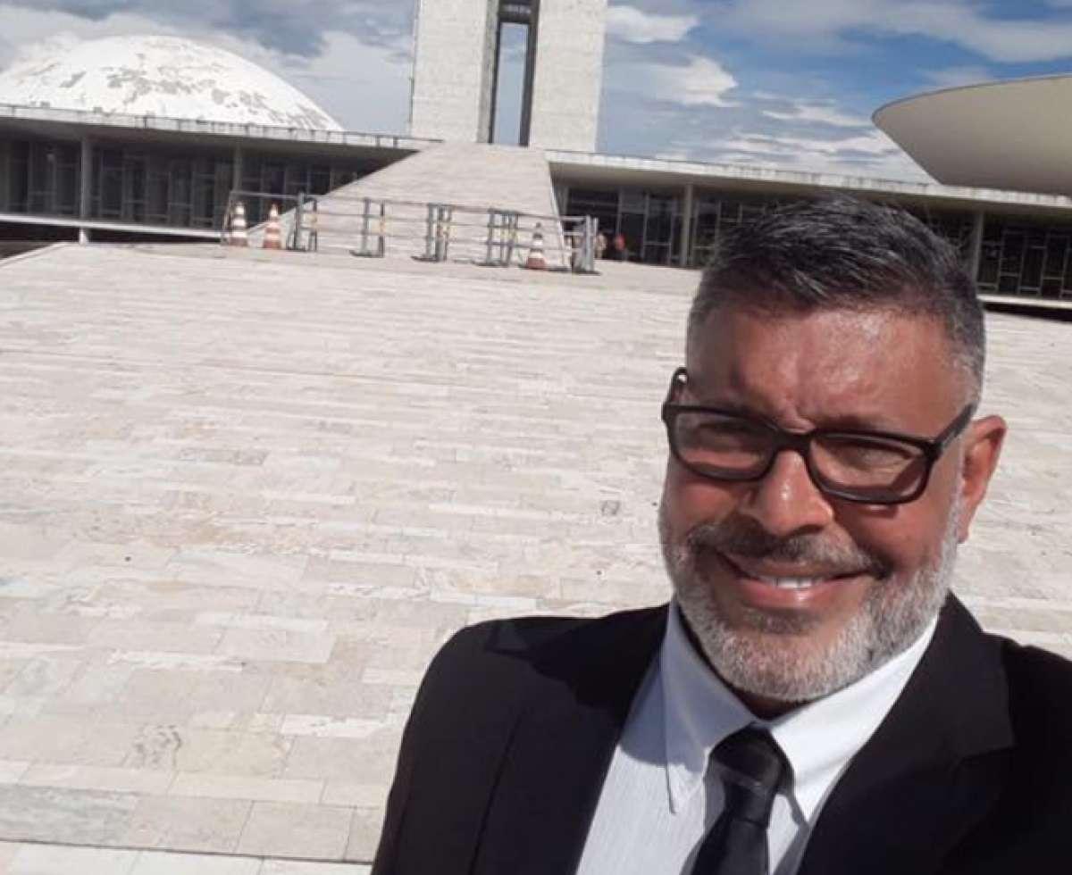 Juíza determina que Alexandre Frota indenize ex-líder do PT em R$ 50 mil por fake news