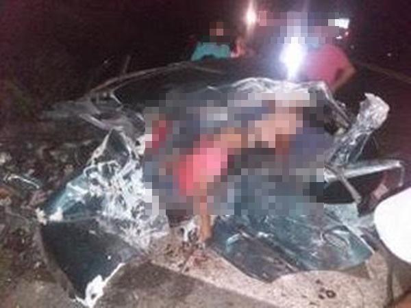 Colisão entre carro de passeio e caminhão deixa dois irmãos mortos na BR-423 em Delmiro Gouveia