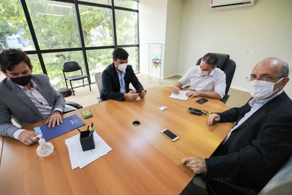 INTEGRAÇÃO Governador assina ordem de serviço para recuperar AL-110, entre Penedo e São Sebastião